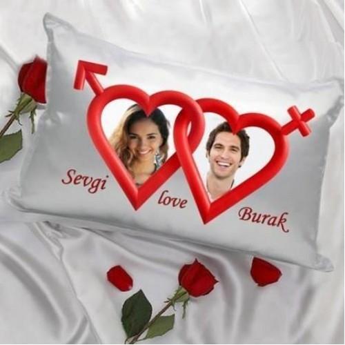 Sevgiliye Özel Kalpli Saten Yastık